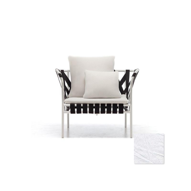 gervasoni inout 851 sessel wei mit schwarzen gurten. Black Bedroom Furniture Sets. Home Design Ideas