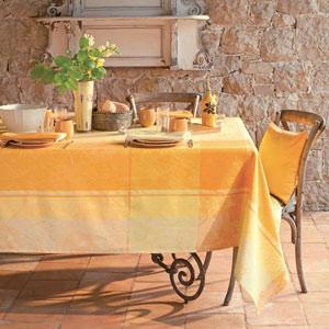 Garnier Thiebaut Tischdecke Mille Oiseaux in gelb