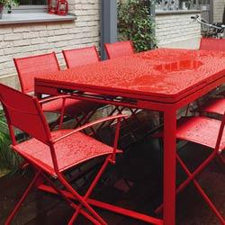 Fermob - wetterfeste rote Gartenmöbel